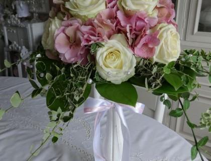 Bouquet fleurs rose et blanche